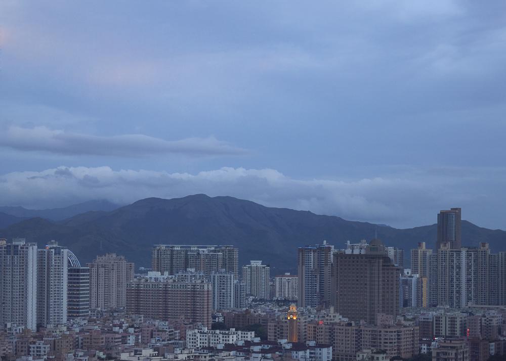 Evening begins in Shenzhen