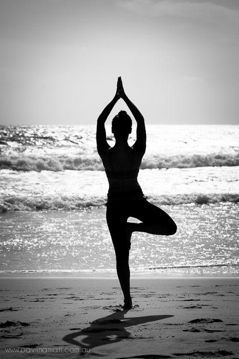 ab4876af64c713fde90411232d6956bb--beach-portraits-yoga-portraits.jpg