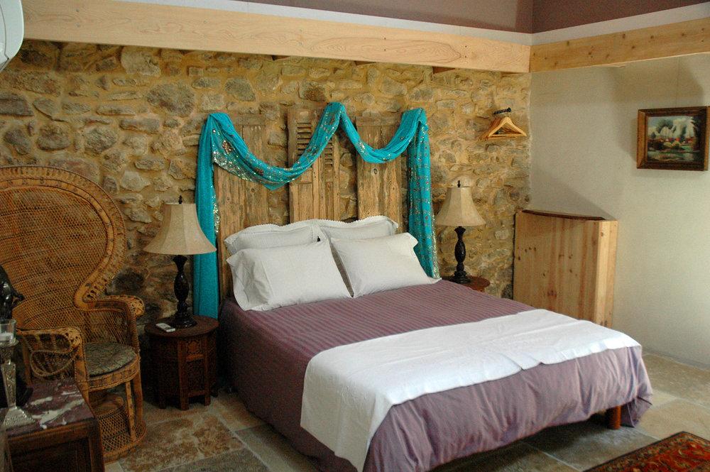 3-Corner-Cottage-Chambre-rez-de-chaussee.jpg
