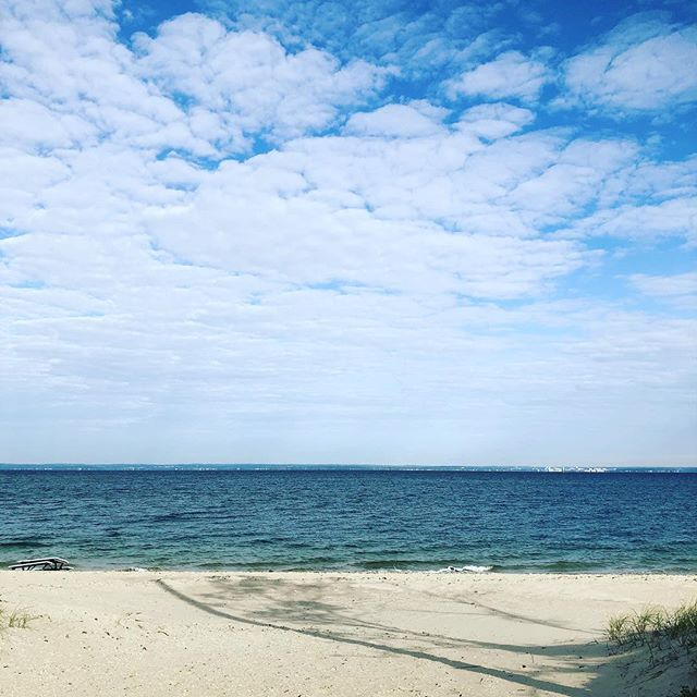A little time alone is so often the best soul medicine... A heart that always understands also gets tired. Sometimes solitude is one of the most beautiful things on earth. ❤️🌎 #ilovethewater #beach #centreisland #soulshine #soulshinestudio #soulmedicine #love #passion #itsok #timetorelax #ishouldbeworking #thoughts #lifeisbeautiful
