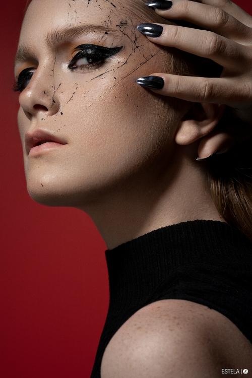 Estela-Digitorial-Beauty-Fevrier-Black-6.jpg