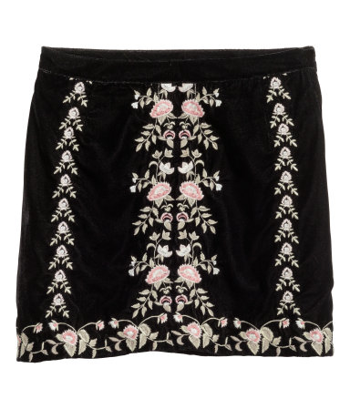 h&m / embroidered velvet skirt / $35  calling all faries