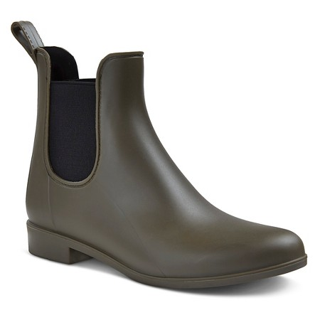 Alex Chelsea Rain Boots / Target / $25 In terms of style these look almost identical and they're so cheap! I've never been a fan of Target shoes in terms of comfort but hopefully these are ok.