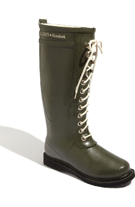 Hornbaek Rain Boot / Ilse Jacobsen / $199 SHOUT OUT to the Scandinavians on these boots! Just discovered this brand and their boots are all perfect - both in short and mid length versions. The laces on these are to die for.