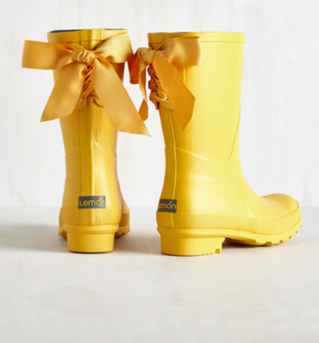 Good to the Last Raindrop Rain Boot in Rubber Duck / Modcloth / $80  Not my aesthetic but DANG