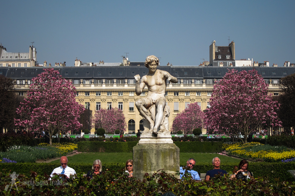 On a nice day this garden is a popular spot for Parisians to take an afternoon break.