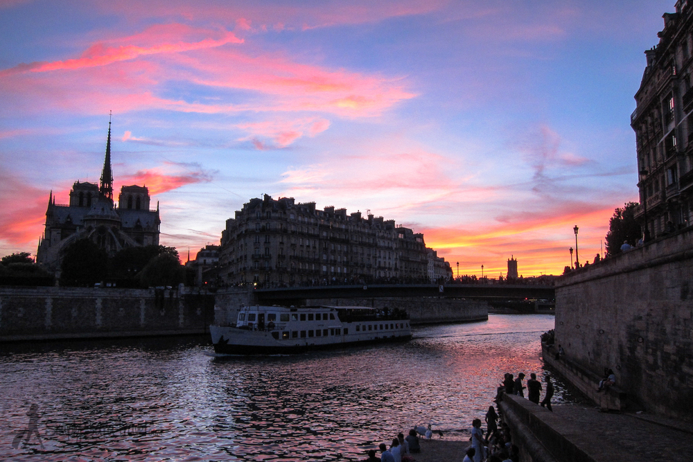 Vivid Sunset as seen from Ile Saint-Louis