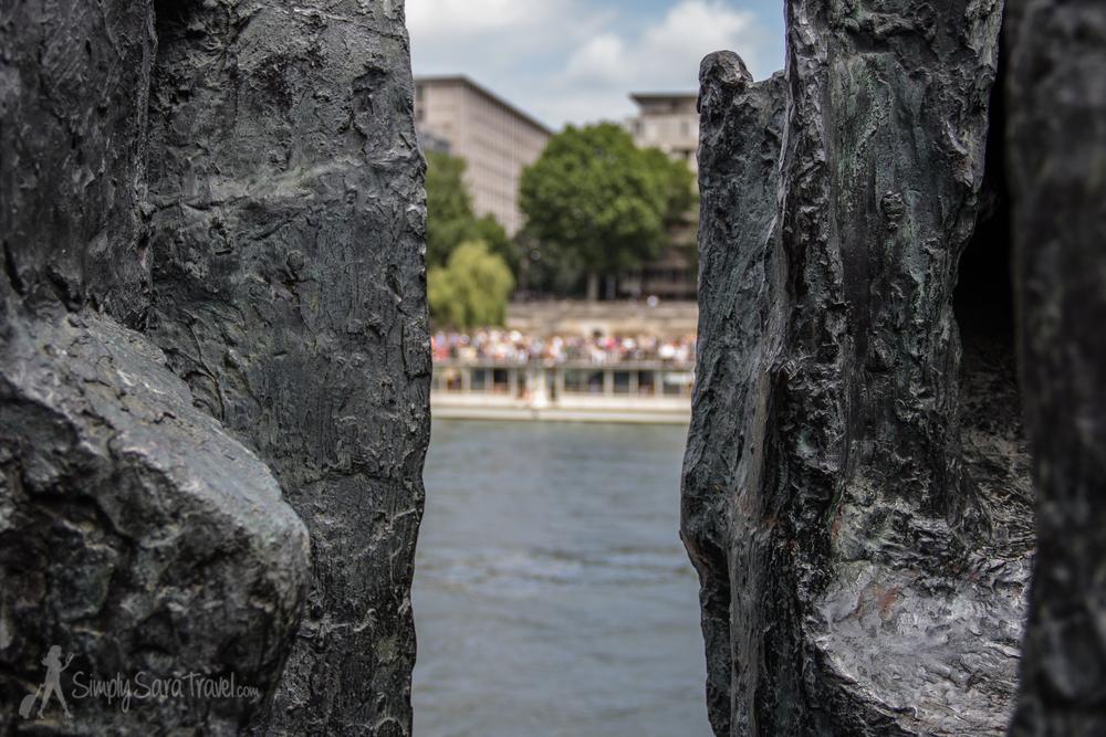 Close-up of Sculpture at Jardin Tino-Rossi, Paris
