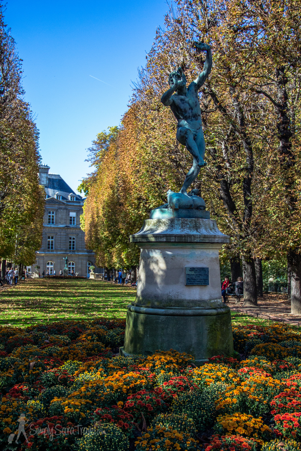Autumn colors in jardin du luxembourg simply sara travel for Jardin du luxembourg