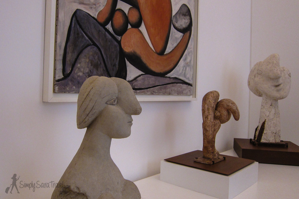 Picasso sculptures of female busts and painting, Musée Picasso, Paris
