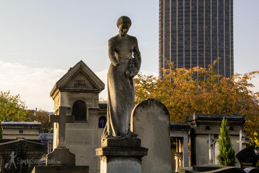 Female Sculpture at Cimetière du Montparnasse