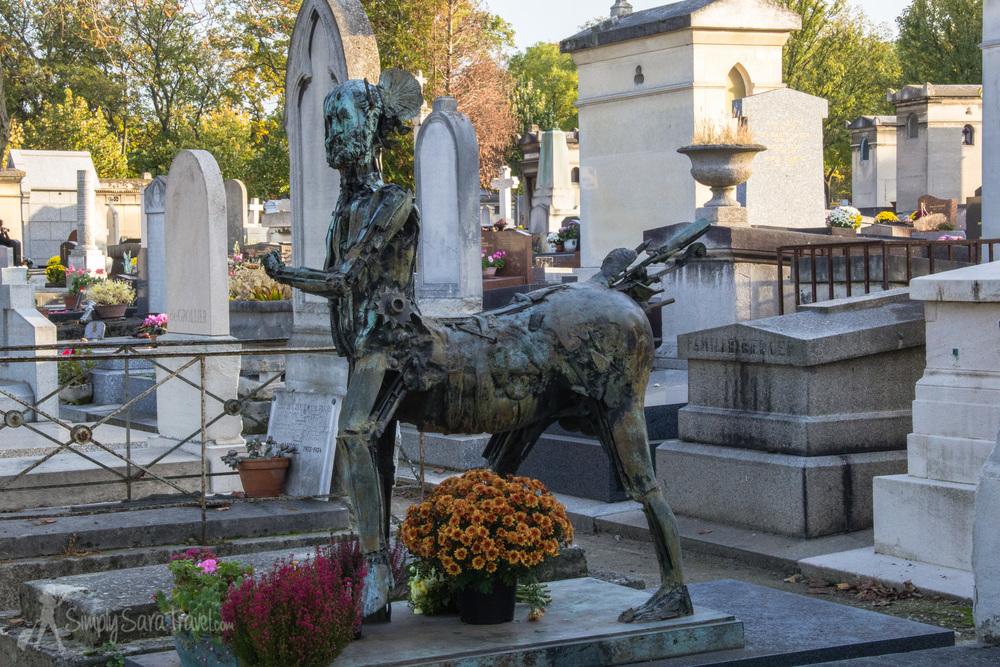 """César Baldaccini's""""Le Centaure"""" sculpture at his grave site"""