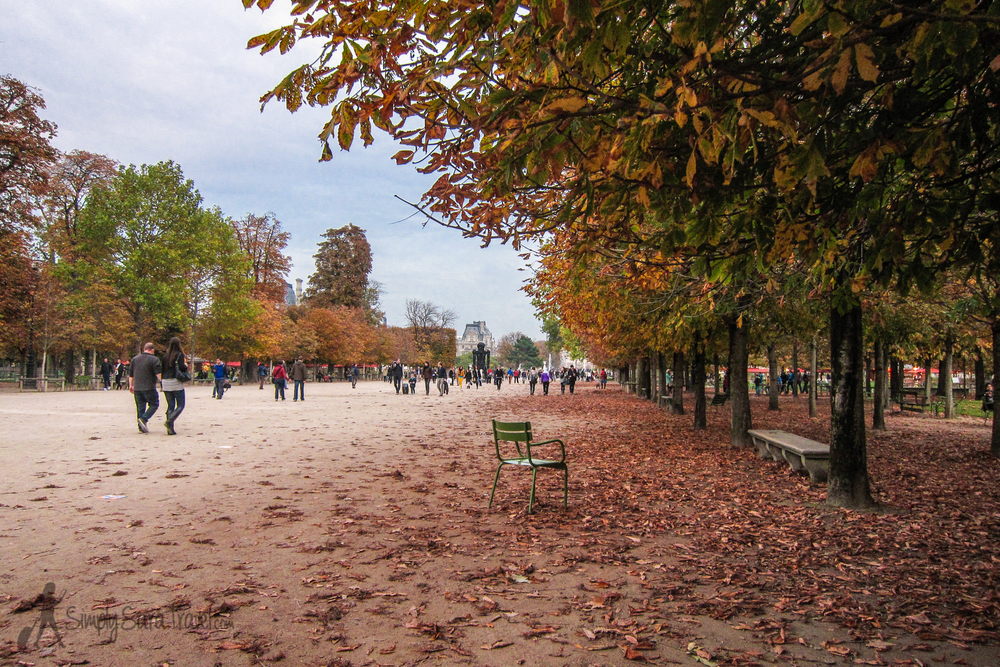 An autumn afternoon in Jardin des Tuileries