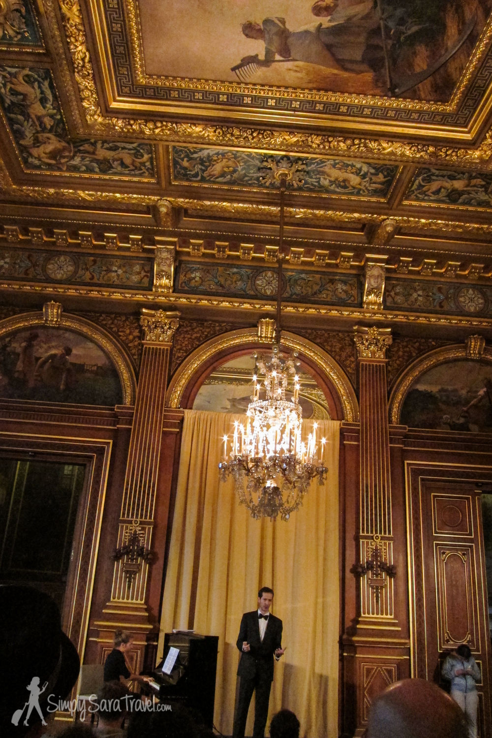 There was even an opera singer performing as I visited this room! Nothing but class here!