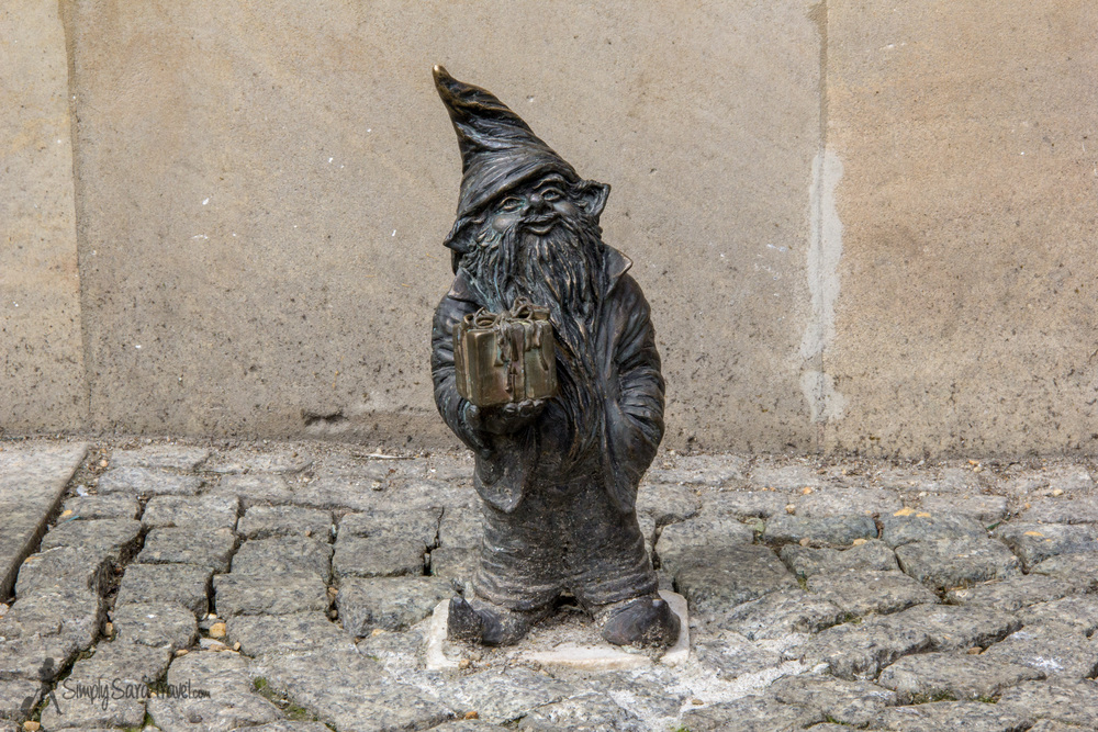 Gnome holding present in Wroclaw, Poland