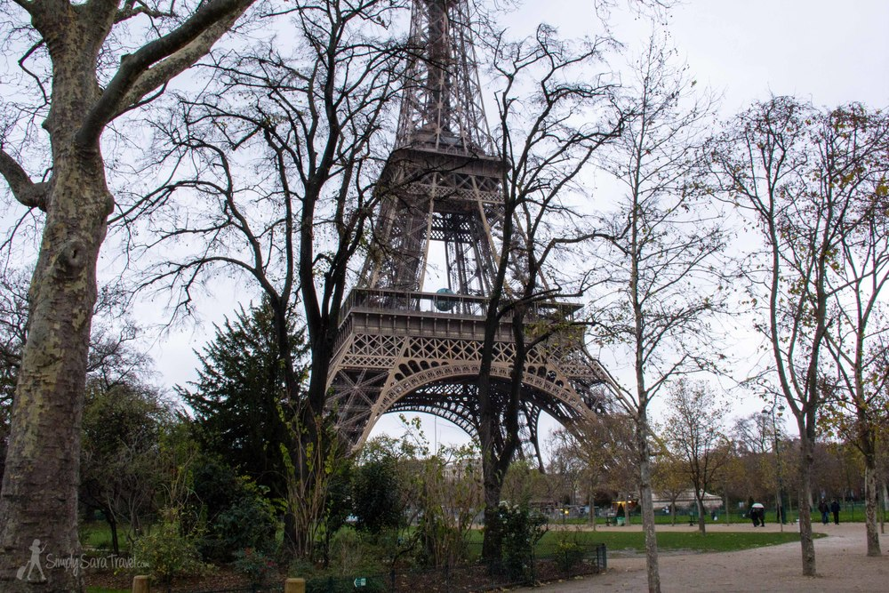 Quiet Sunday morning by the Eiffel Tower