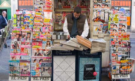 Newspaper-seller-in-a-Lon-007.jpg
