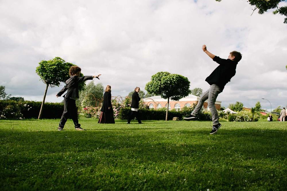 Blumenkinder Hochzeit Rosenpark