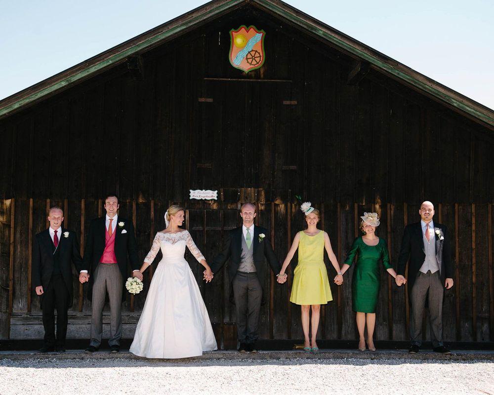 Gruppenbild der Hochzeitsgesellschaft