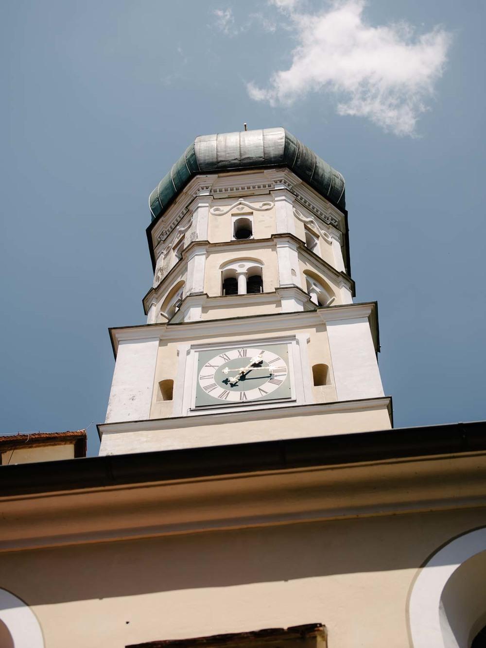Kirchenturm Detail kirchliche Trauung Hochzeit Rostocker Fotograf in Augsburg