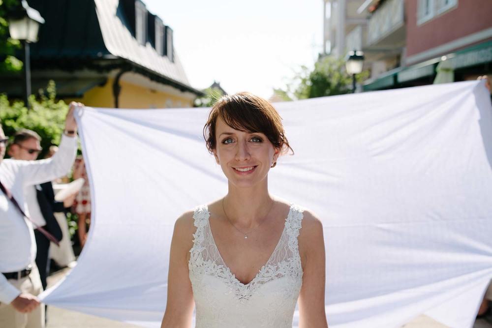 Portrait der Braut kurz vor dem Hochzeitsspiel Hochzeit Rostocker Fotograf in Augsburg