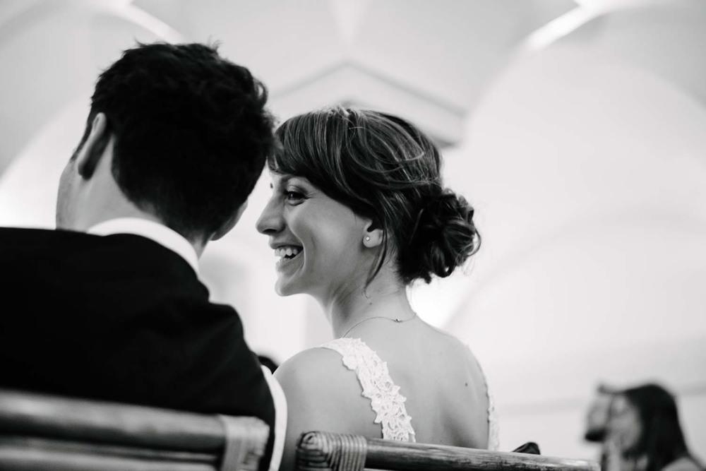 lachende Braut beim Hochzeitsfilm Hochzeit Rostocker Fotograf in Augsburg
