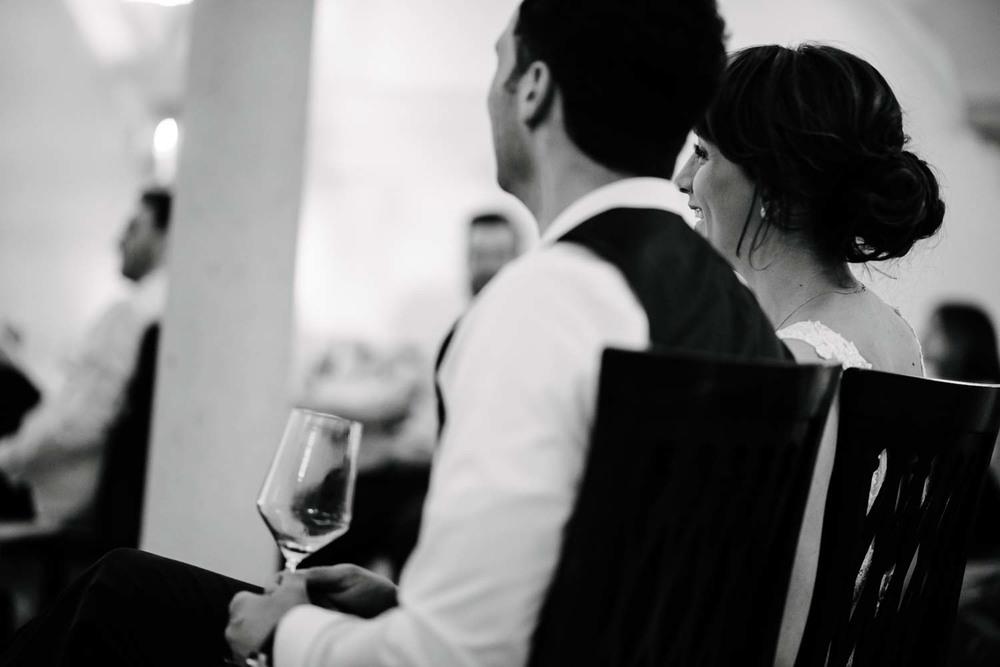 Brautpaar fröhlich Hochzeit Rostocker Fotograf in Augsburg