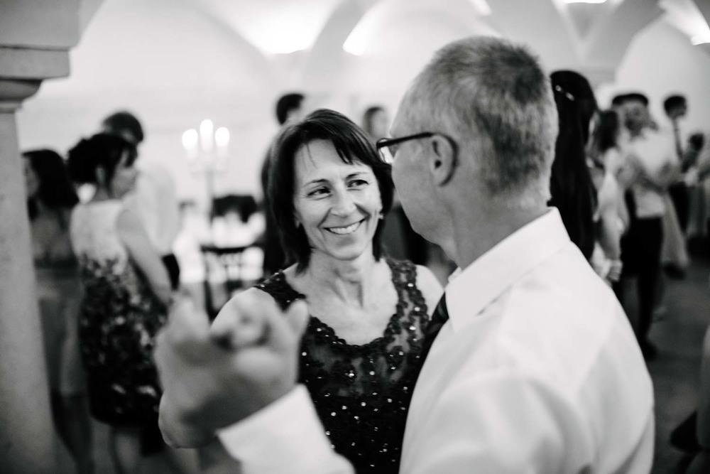 Brauteltern beim Tanz Hochzeit Rostocker Fotograf in Augsburg