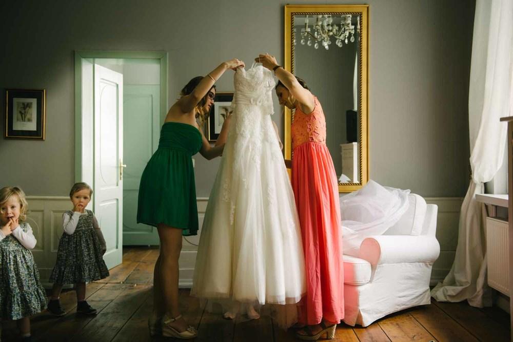 Trauzeuginnen Braut & Hochzeitskleid