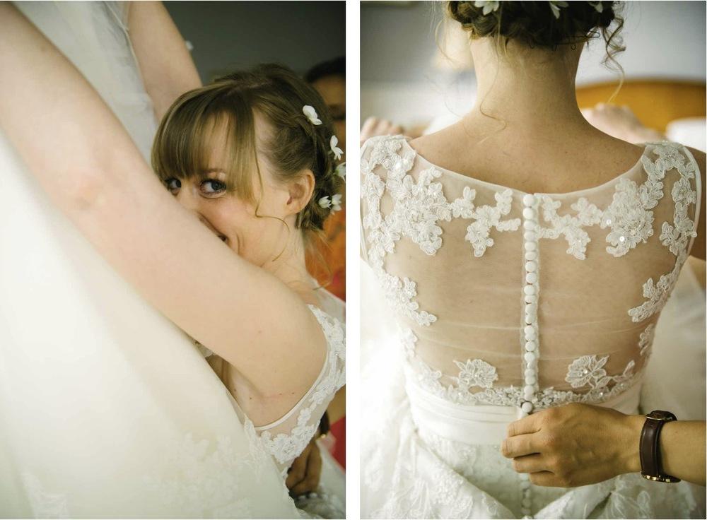 Junge trifft Mädchen in Nustrow Mecklenburg Vorpommern. Brautvorbereitungen zur Hochzeit.