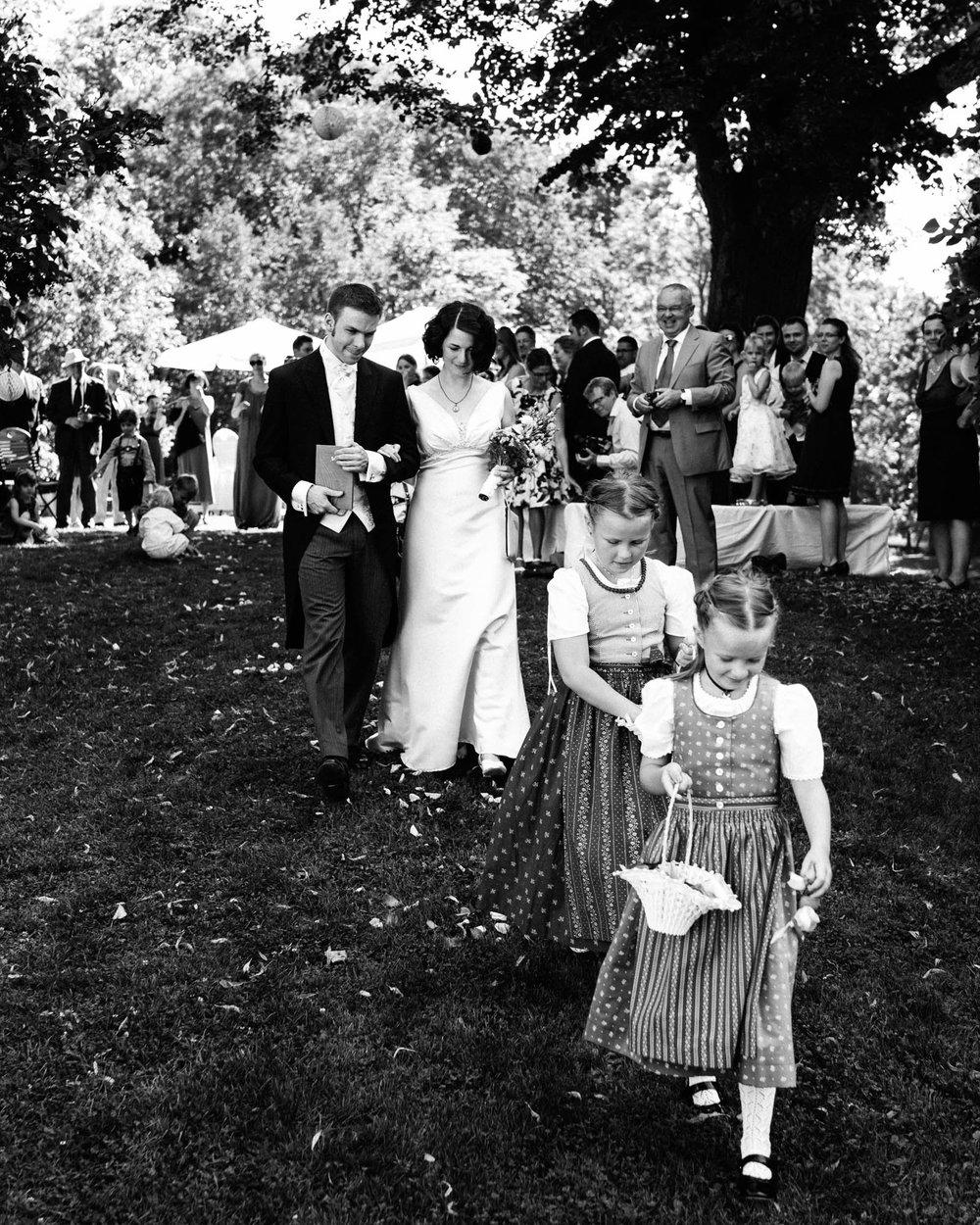 0064-Hochzeitsfotograf-Schloss-Lühburg.jpg