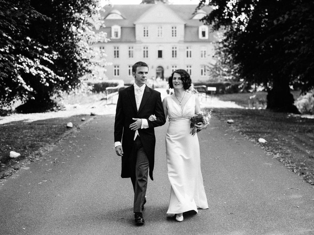 0098-Hochzeitsfotograf-Schloss-Lühburg.jpg