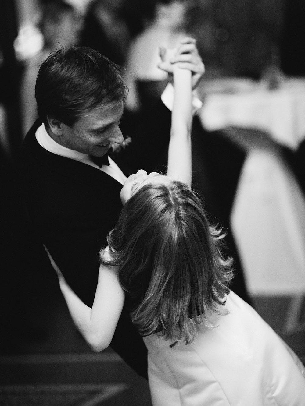 Partyfotografie Hochzeit Hochzeitstanz.jpg