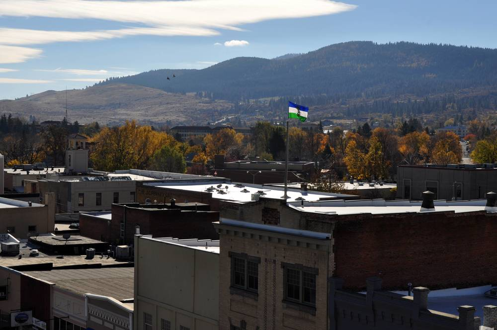 cascadia flag over la grande oregon