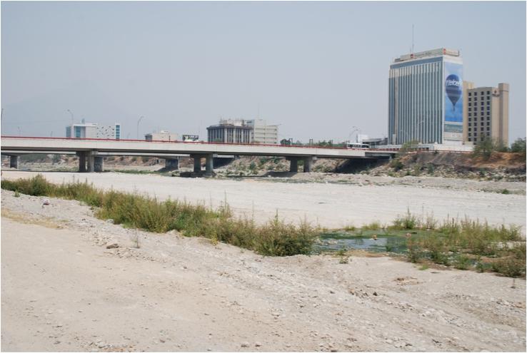 Un río seco en 2011, meses después del Álex.