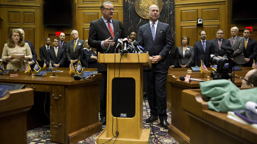 chi-indiana-lawmakers-unveil-changes-to-new-law-20150402.jpg