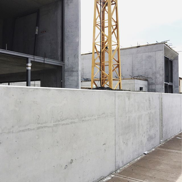 work in progress / concrete houses construction site in oderzo . . . . . . . . #zanonarchitettiassociati #workinprogress #architecture #archilovers #lovesdomus #archdaily #archilovers #deezen #plataformaarquitectura #archreview #divisare #architecturelovers