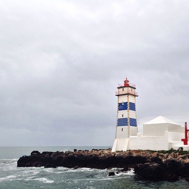 The_Cascais_lighthouse_by_herbertschroer.jpg