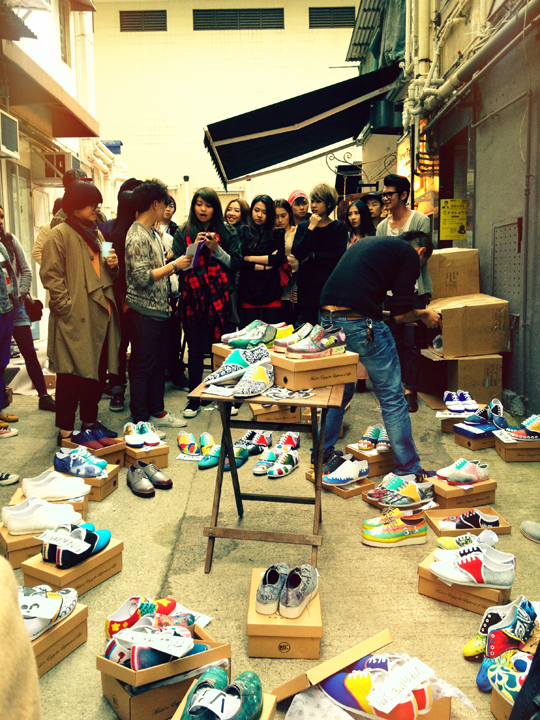 shoes jam    We stumbled upon this gallery in our neighborhood. They were having a shoes painting contest in an alley. The vibe was pretty funny overall.