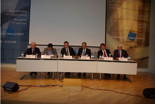 From left: Michael Haltzel, SAIS, Johns Hopkins University; Alexandr Vondra, Deputy Premier for European Affairs of the Czech Republic; Thomas Mayr-Harting, Political Director, Austrian Federal Ministry for European and International Affairs; Zalmay Mamozy Khalilzad, Permanent Representative of the United States to the United Nations; Thomas Mattusek, Permanent Representative of Germany to the United Nations; Guenter Bischof, University of New Orleans (c) Markus Prantl, EFA 2008