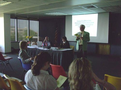 Center Austria's Director, Dr. Günter Bischof, introduces the speakers.