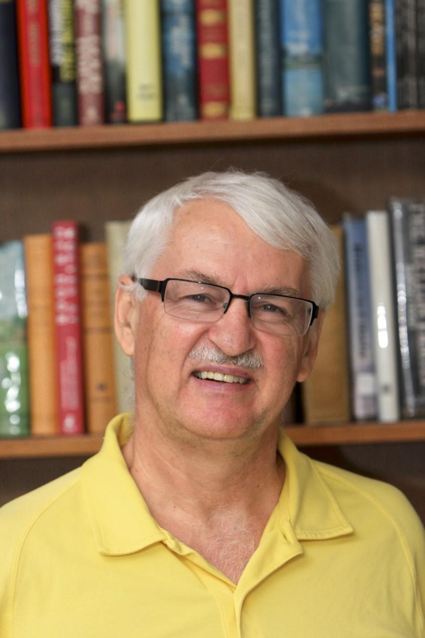 Günter Bischof Director, Center Austria
