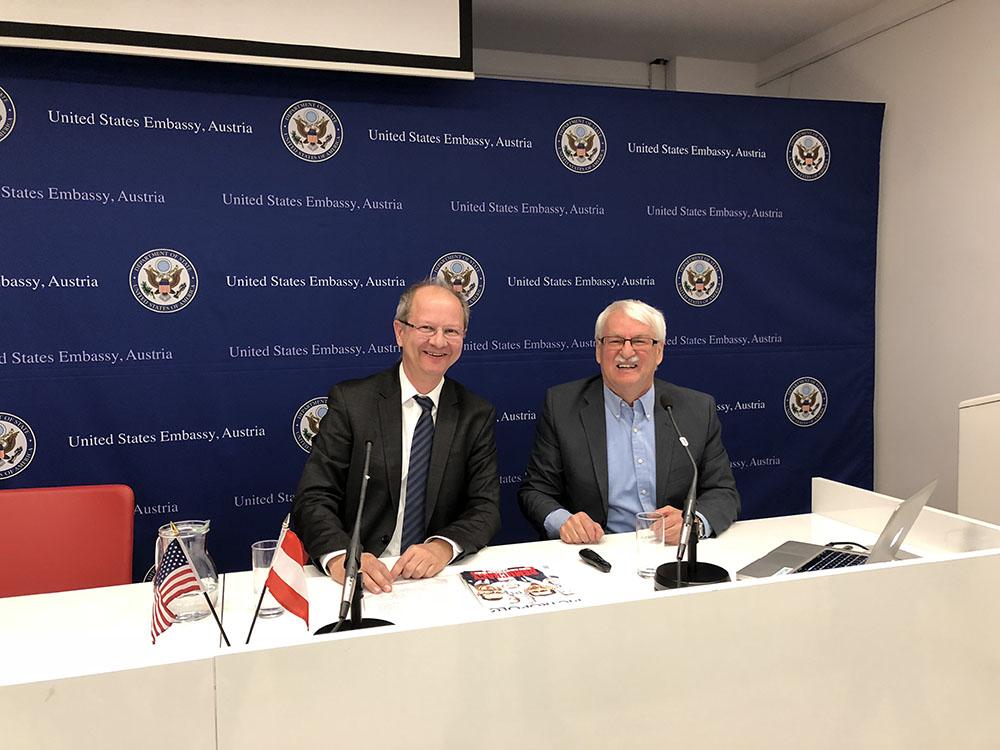 Dr. Hans Petschar (left), Dr.Guenter Bischof
