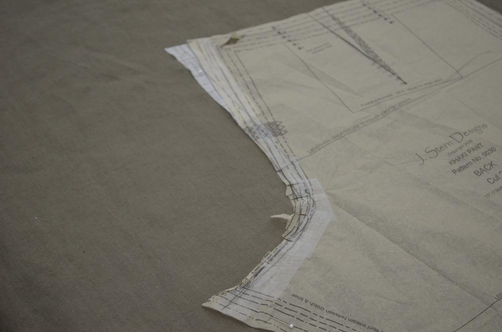 Straightening the crotch seam