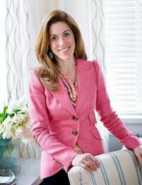 Sarah in a classic, well-constructed pink blazer. Image Source:www.sarahrichardsondesign.com