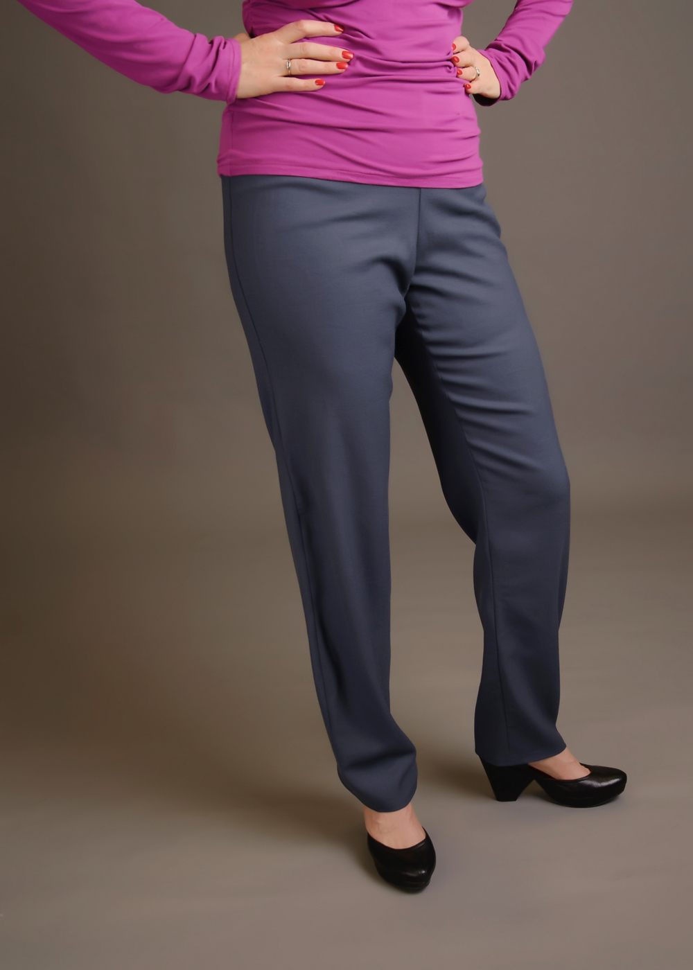 Palmer/Pletsch pants. Wool crepe from A Fashionable Stitch fabric store in Salt Lake City. Photo by Andrea Jones.