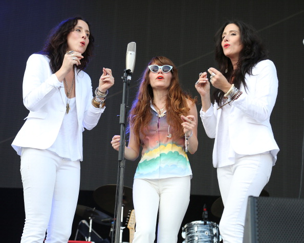 "Jenny Lewis and The Watson Twins Sing ""Met Him on a Sunday"" (Getty Images)"