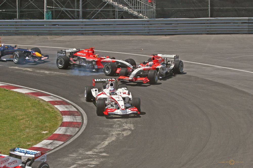 """MF1 Collision"" by TMWolf - Flickr.com. Licensed under CC BY-SA 2.0 via Wikimedia Commons - https://commons.wikimedia.org/wiki/File:MF1_Collision.jpg#/media/File:MF1_Collision.jpg"