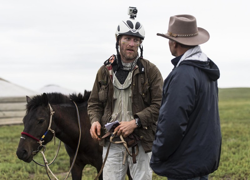 Vet Deon talks to Mattias Gardlund at Horse Station 2