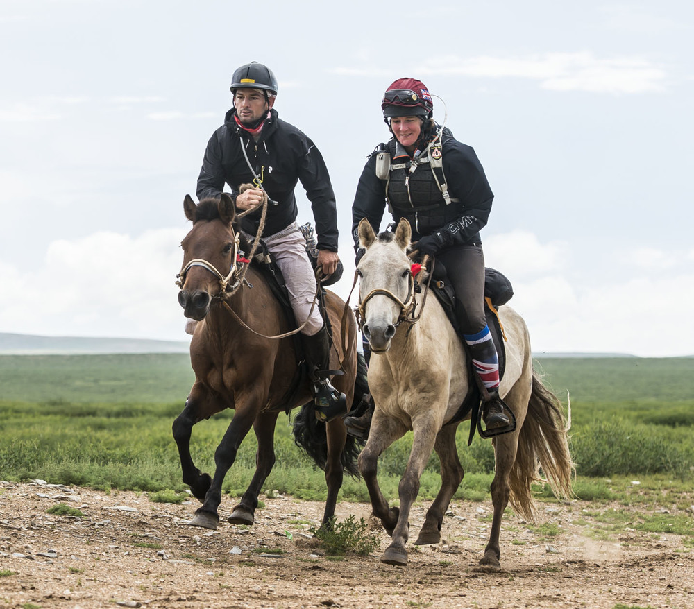 Dylan Delanhunt and Alex Embiricos are stride for stride on leg 9, 7th Aug 2013